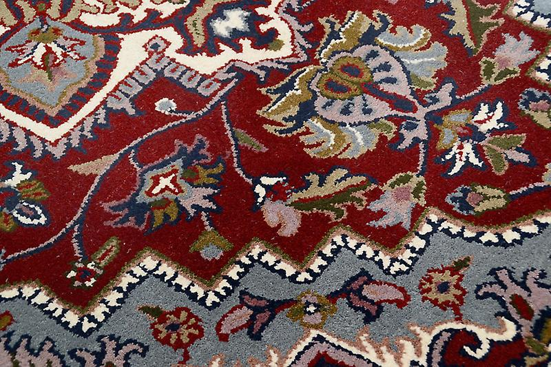 Rugs - Royal Heriz - Red & Cream