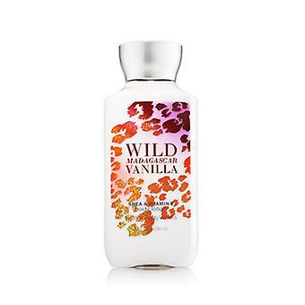Bath & Body Works Wild Madagascar Vanilla Body Lotion 8 oz / 236 ml