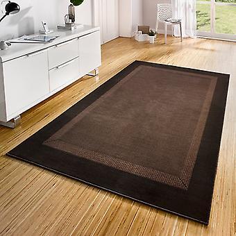 Conception de bande de tapis de velours brun