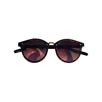 Vintage urban style sunglasses with pink glass