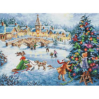 Gold Collection Winter Celebration Counted Cross Stitch Kit-16