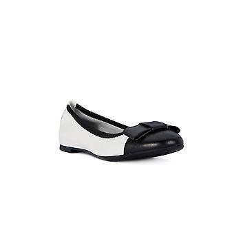 Frau Empire black butter shoes