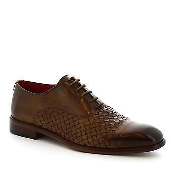 Les chaussures Leonardo s la main lacé à lacets en cuir de veau tissé beige