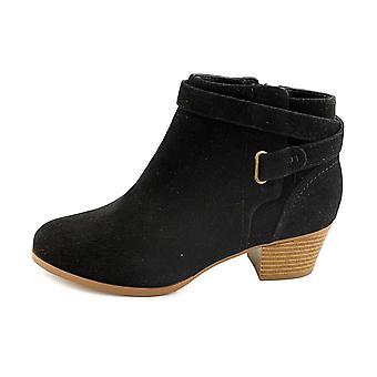 Giani Bernini Womens Oleesia Almond Toe Ankle Fashion Boots