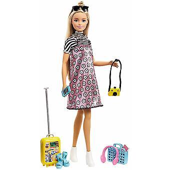 Barbie Pink Passport Doll Docka 30cm