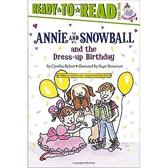 Annie e palla di neve e il compleanno di Dress-Up (Ready-To-Read Annie & Snowball - livello 2)