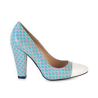 Beaulieu fish scale shoes