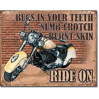 Paseo en moto muestra del Metal