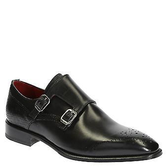 黑色皮革双和尚表带鞋为男性