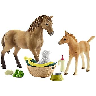 Schleich 42432 Horse Club Sarah S Baby Animal Care