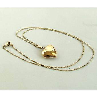 Yellow gold necklace with hearts pendant
