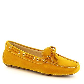 Leonardo Shoes women's boat handmade mocassins in yellow suede leather