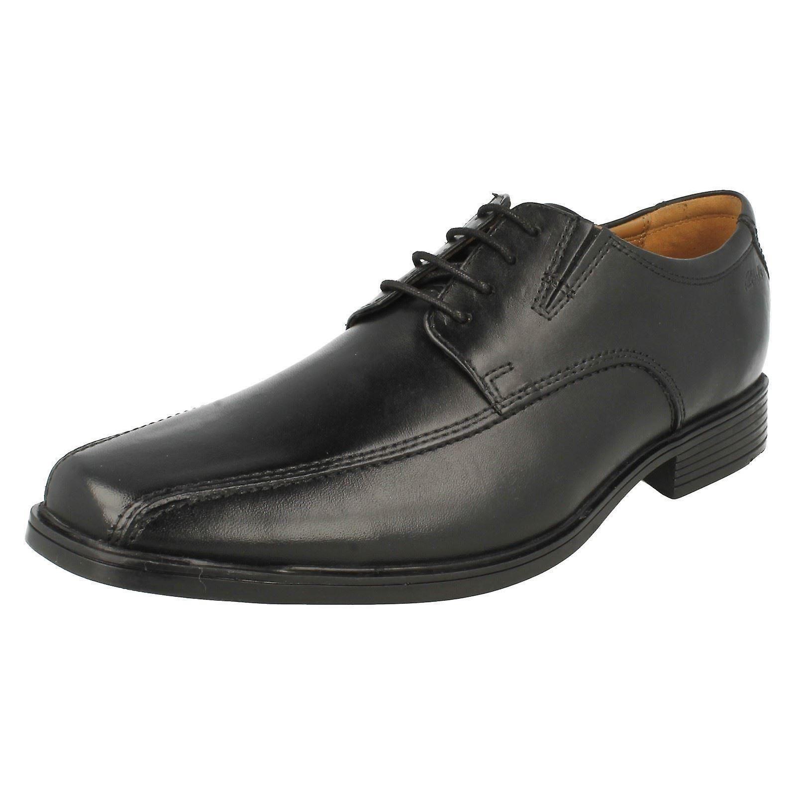 Mens Clarks formelle chaussures de marche Tilden