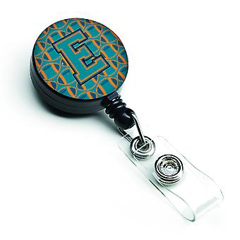 Letter E voetbal Aqua-, sinaasappel- en Marine Blue intrekbare Badge Reel