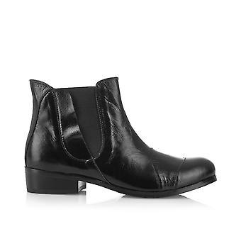 Fulham black shoes