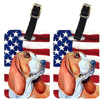 Par de bandera americana de Estados Unidos con las etiquetas de equipaje de Basset Hound