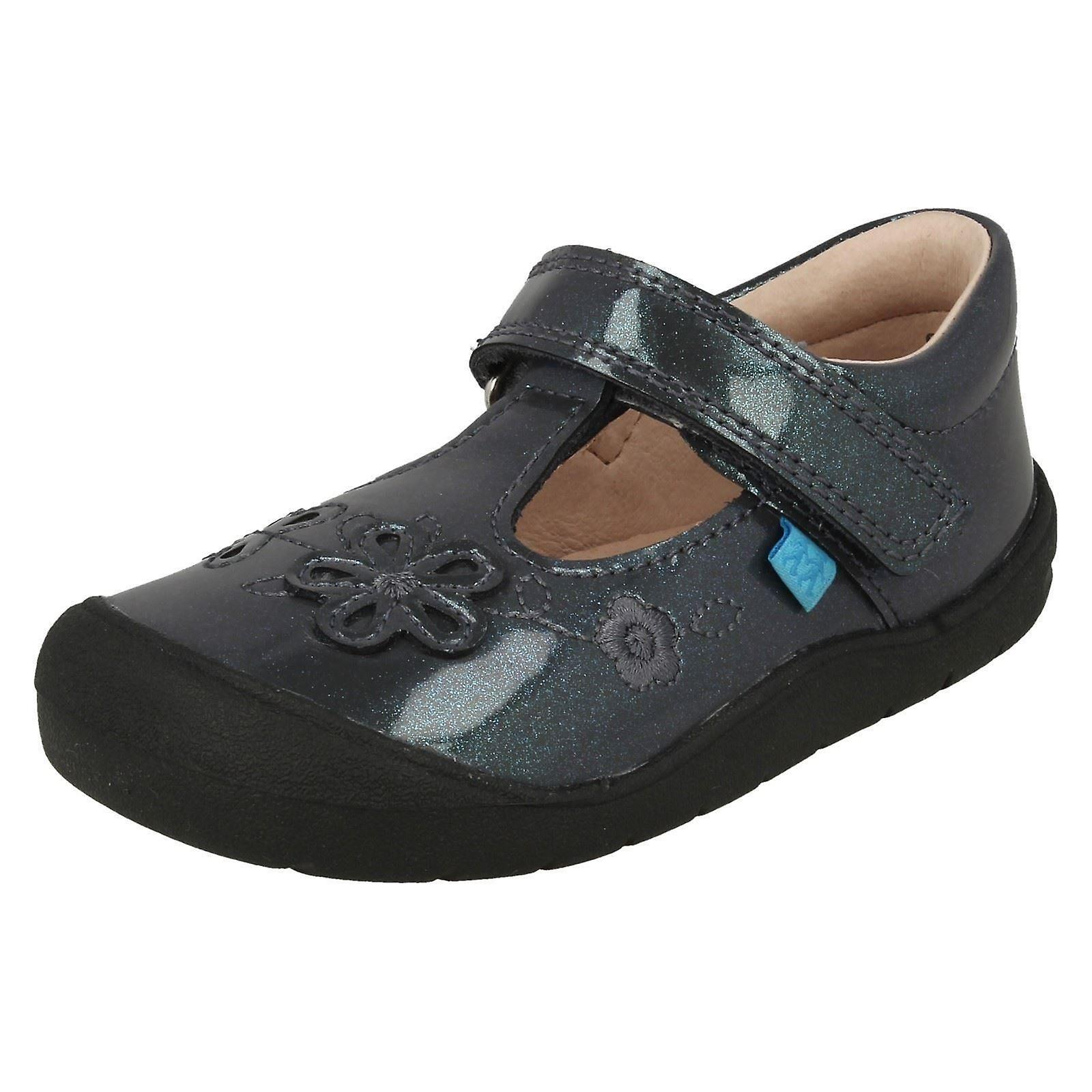 Girls Startrite Flower Detail Flat chaussures First Mia
