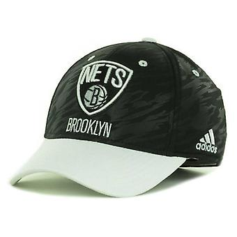 "Brooklyn nät NBA Adidas ""Courtside 2 Tone"" Stretch utrustade hatt"