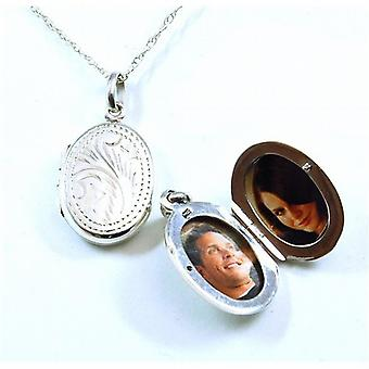 The Olivia Collection Sterling Silver 20mm Oval Engraved Locket on 18