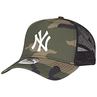 New Era Adjustable Trucker Cap - New York Yankees wood camo