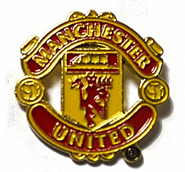 Manchester Utd FC metal / enamel pin badge    (bb)