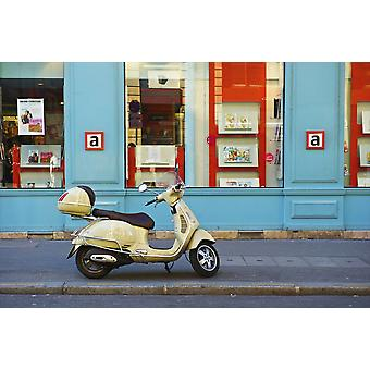 Una patineta motorizada estacionada fuera de un edificio a lo largo de una calle Canal Saint Martin Paris Francia PosterPrint azul