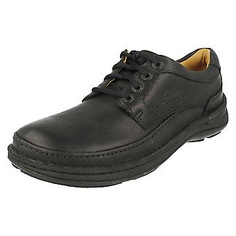 Mens Clarks aktiva luft spets upp skor natur tre
