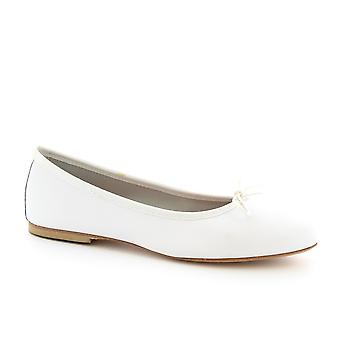 Leonardo Shoes Women's handmade ballet flats shoes in white napa leather