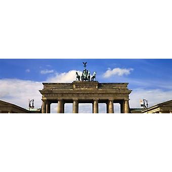 Vista in sezione alta di un cancello di memorial Brandenburg Gate Berlino Germania Poster Print
