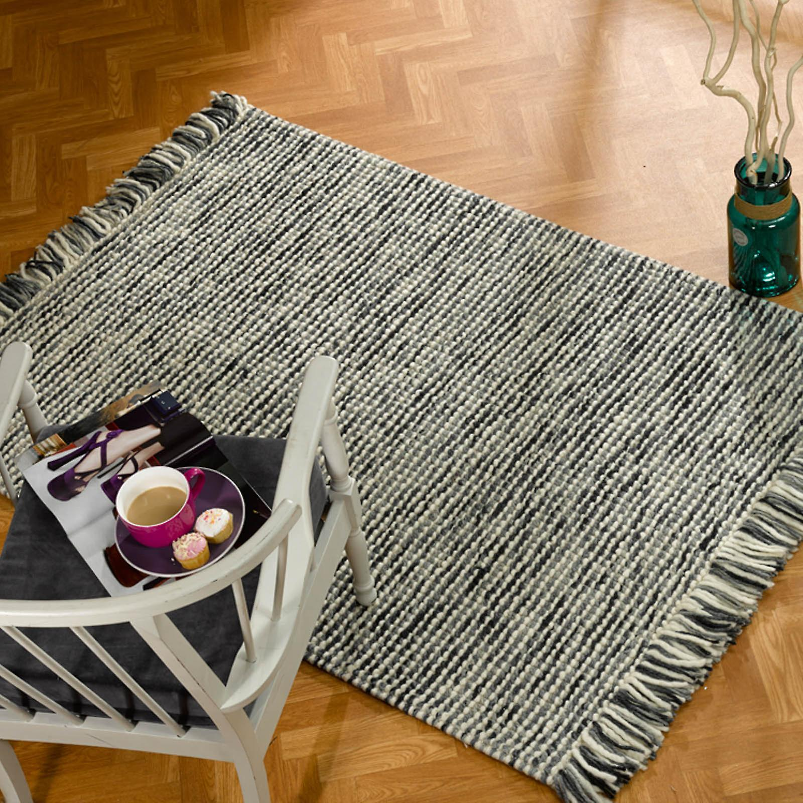 Retreat Maya Rugs In Charcoal