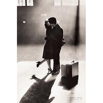 Eternal Kiss Central Station 1944 Poster Print (24 x 36)