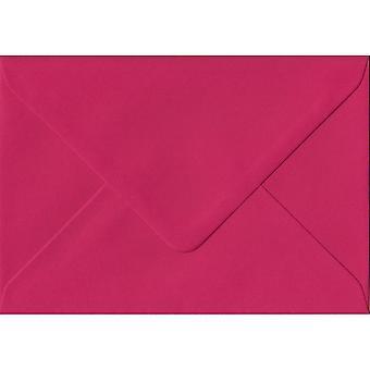 Fuchsia rosa gummerat gåva/plats kort färgade rosa kuvert. 100gsm FSC hållbart papper. 70 mm x 110 mm. bankir stil kuvert.