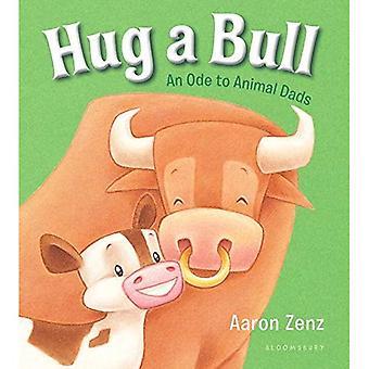 Knuffel van een stier: een Ode aan dierlijke vaders