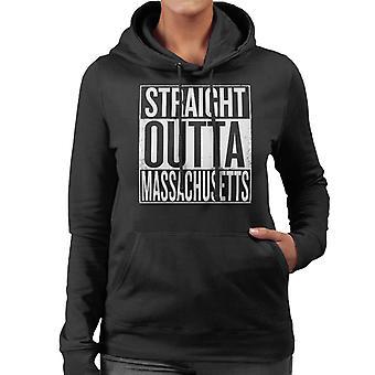 Texto blanco recto Outta Massachusetts nos dice sudadera con capucha de mujer
