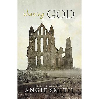 Chasing God by Angie Smith - 9781433676611 Book