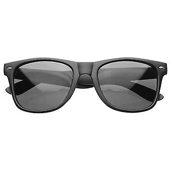 Super Hipster trendig Urban matt svart mjuk Finish Horn kantad solglasögon