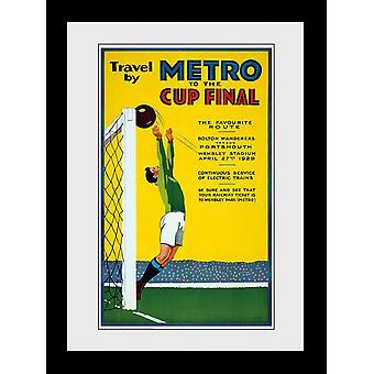 Transport pour le métro de Londres pour la finale de la coupe encadrée Collector Print