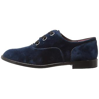 Marc Jacobs Womens Helena Leather Closed Toe Oxfords