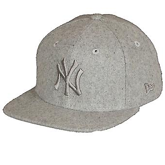 Nouvelle ère et MLB Melton Tonal 9Fifty tyran sombre Cap ~ New York Yankees