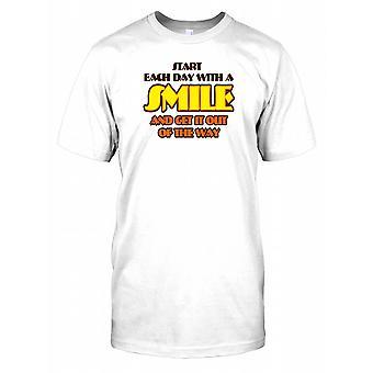Starten Sie jeden Tag mit einem Lächeln und Get it out of The Way - lustige Witz-Kinder-T-Shirt
