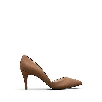 Kenneth Cole REACTION So Savvy Pumps