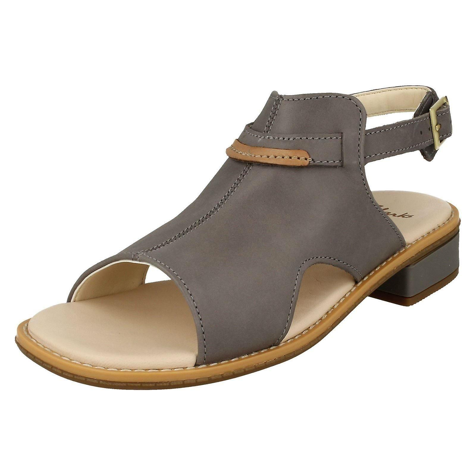 Jeunes filles Clarks talons bas Slingback Sandals Darcy Lily - Cuir gris - UK taille 1F - UE taille 33 - US taille 1,5 M