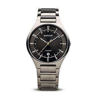 Bering analoog kwarts mannen met titanium armband 11739-772