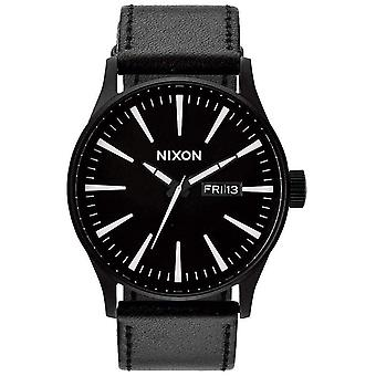 Nixon The Sentry Leather Watch - Black/White