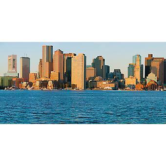 Panoramaudsigt over Boston Harbor og Boston skyline ved solopgang set fra South Boston Massachusetts New England plakat Print af panoramabilleder