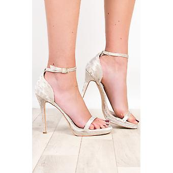 IKRUSH Marie de Womens talons velours Barely There