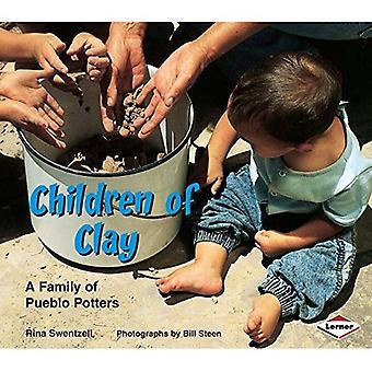 Barn av lera: en familj av Pueblo Potters (vi är fortfarande här)
