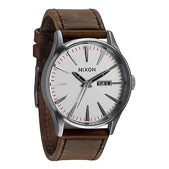 Nixon The Sentry Leather Silver/Brown Herrenuhr (A1051113)
