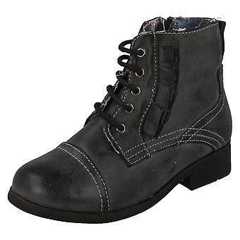 Girls Cutie Flat Lace Up Boot