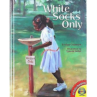 White Socks Only (Av2 Fiction Readalong 2015)